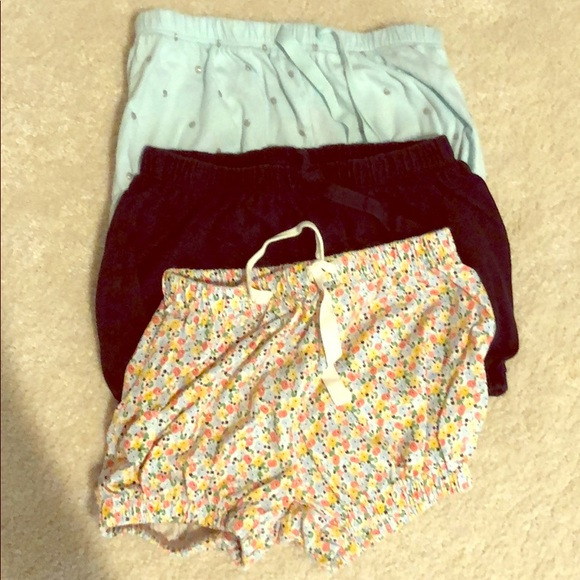 GAP Other - Lot of Hardly worn gap girls bubble shorts